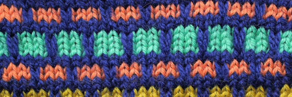 Beginners knitting course by the SST is accredited by City & Guilds