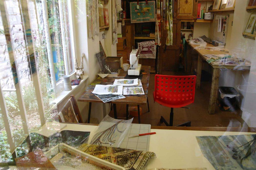 Cas Holmes studio
