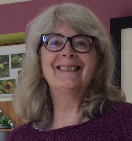 Patricia McCarthy SST knitting graduate
